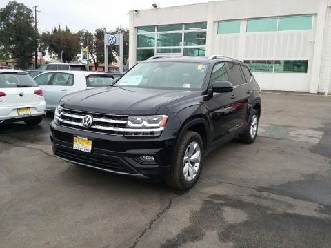 New 2019 Volkswagen Atlas 3.6L V6 SE w/Technology & 4MOTION