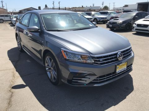 New 2018 Volkswagen Passat R-Line Front Wheel Drive Sedan