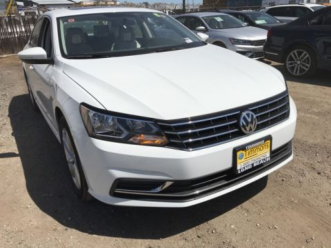 New 2018 Volkswagen Passat 2.0T SE Front Wheel Drive Sedan