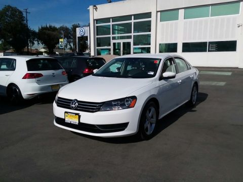 Certified Pre-Owned 2014 Volkswagen Passat SE Front Wheel Drive Sedan